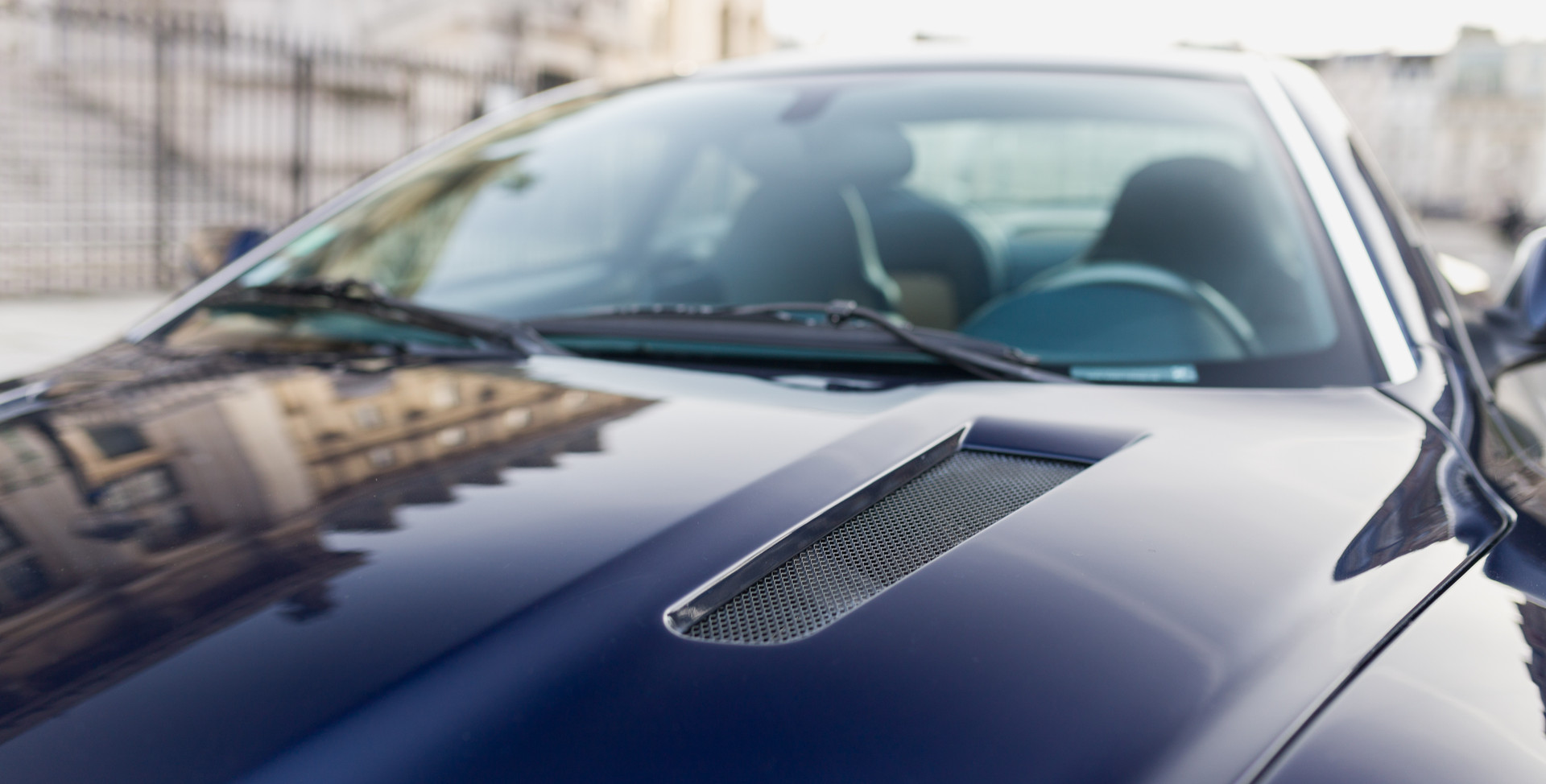 Aston Martin Vanquish S31.jpg