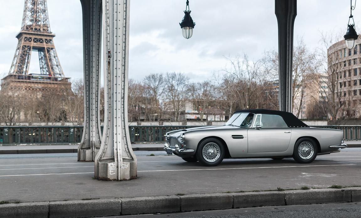 1961 Aston Martin DB4 Cabriolet 3.jpg
