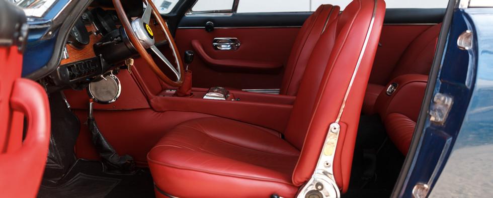 Ferrari 330 GT 196620.jpg