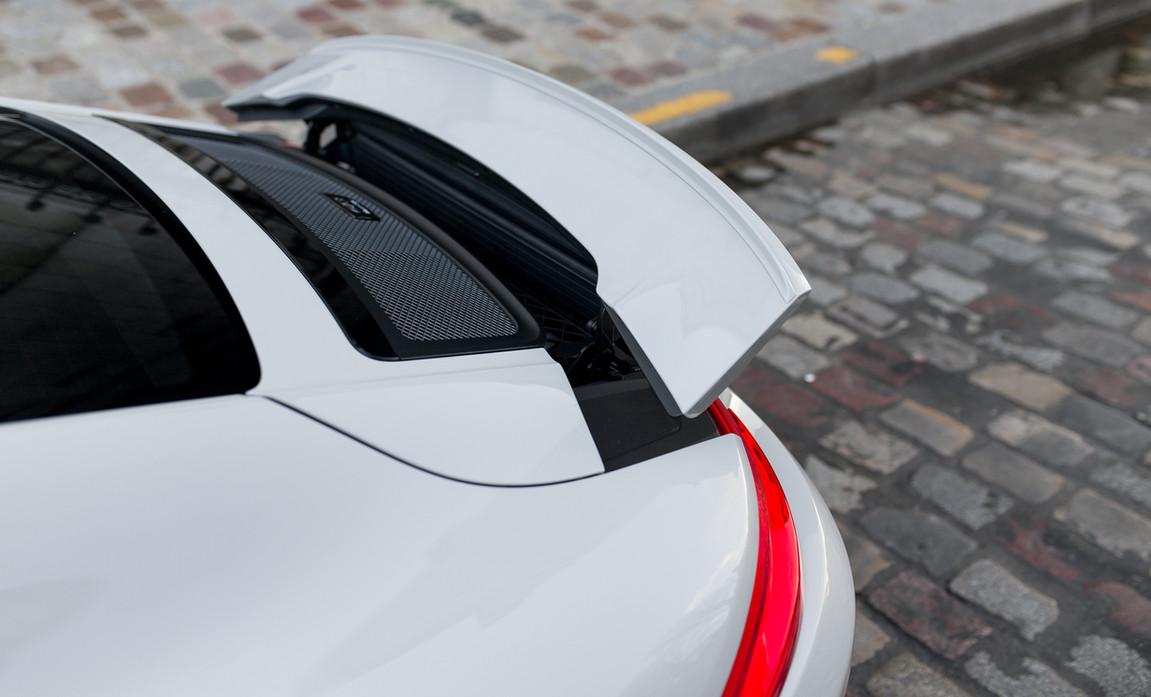 Porsche 911 GT3 Touring (35).jpg
