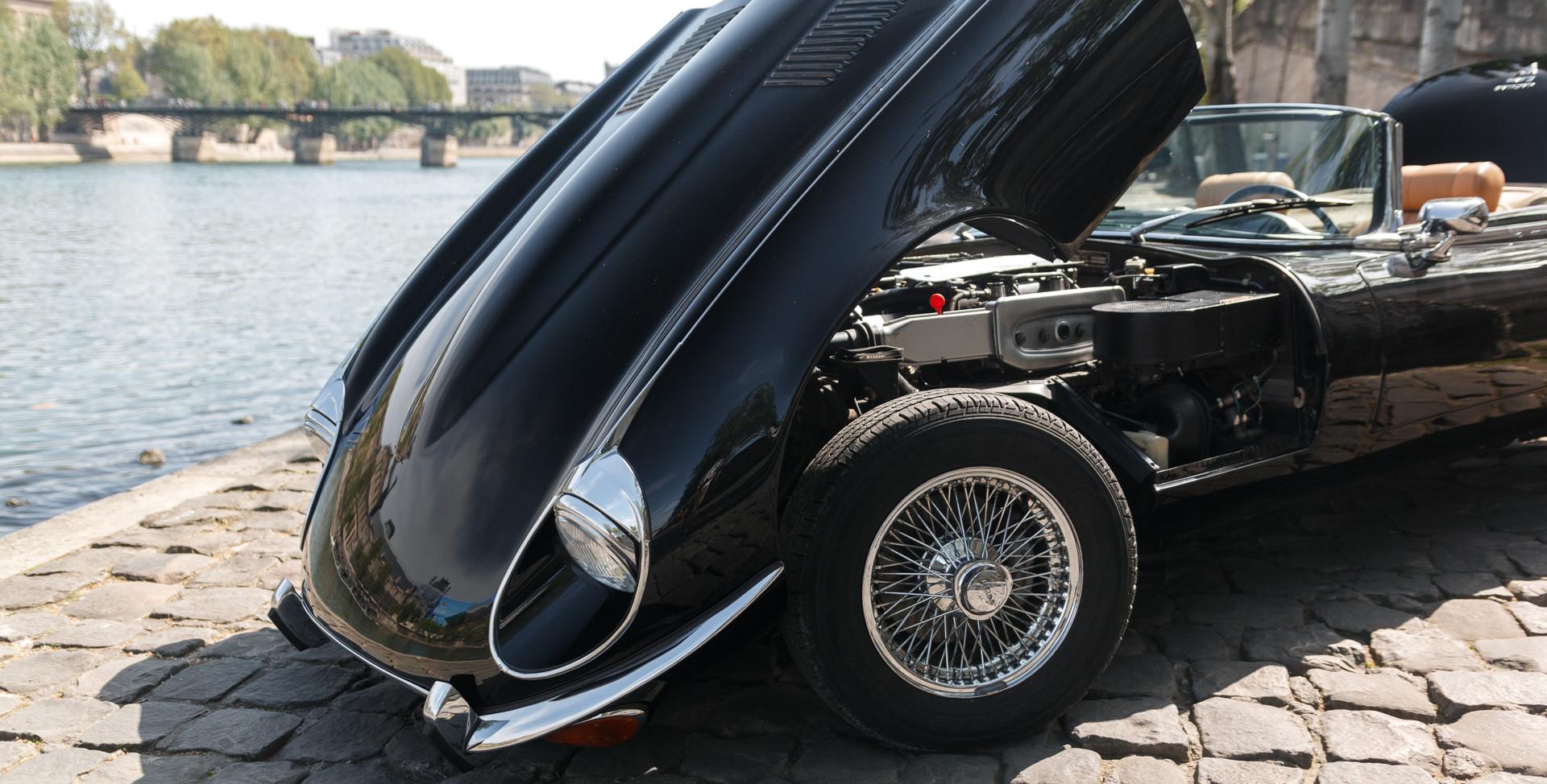 Jaguar Type E moteur (2).jpg