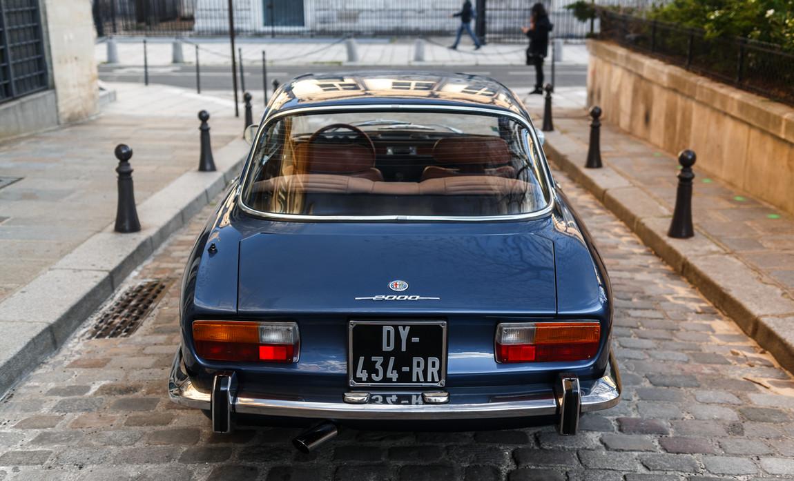 Alfa_Romeo_2000_arrière_(2).jpg