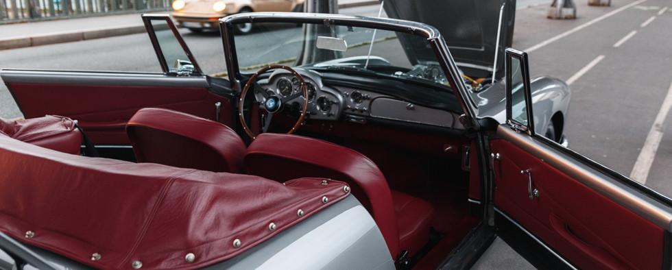 1961 Aston Martin DB4 Cabriolet 65.jpg