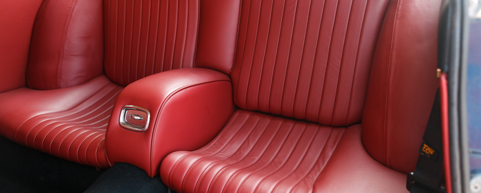 Ferrari 330 GT 196617.jpg