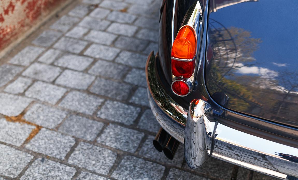 Jaguar MKII détails extérieur (14).jpg