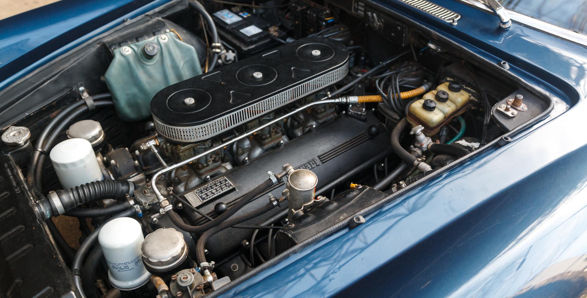 Ferrari 330 GT 196624.jpg
