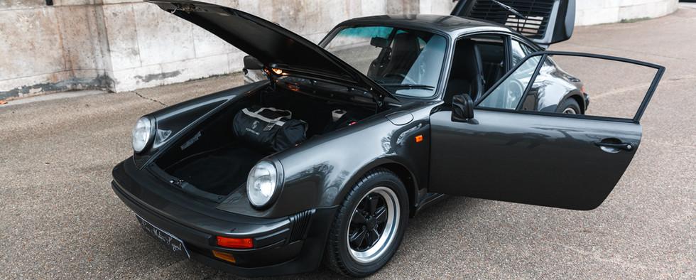 1986 Porsche 930 3.3 Turbo110.jpg
