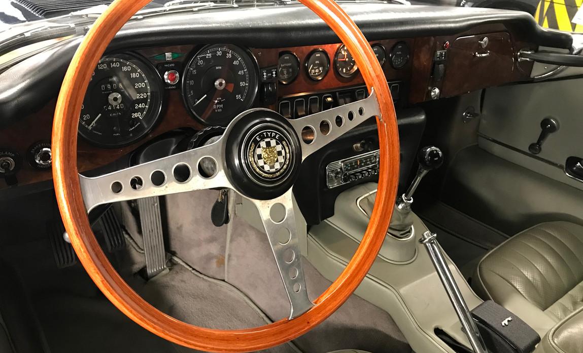 Jaguar_Type_E_Série_2_Chris14.jpeg