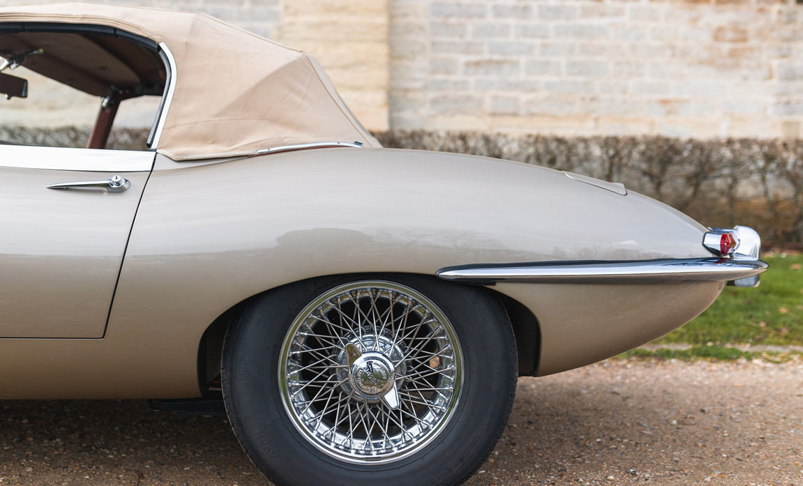 Jaguar Type-E Serie I Cabriolet (16).jpg