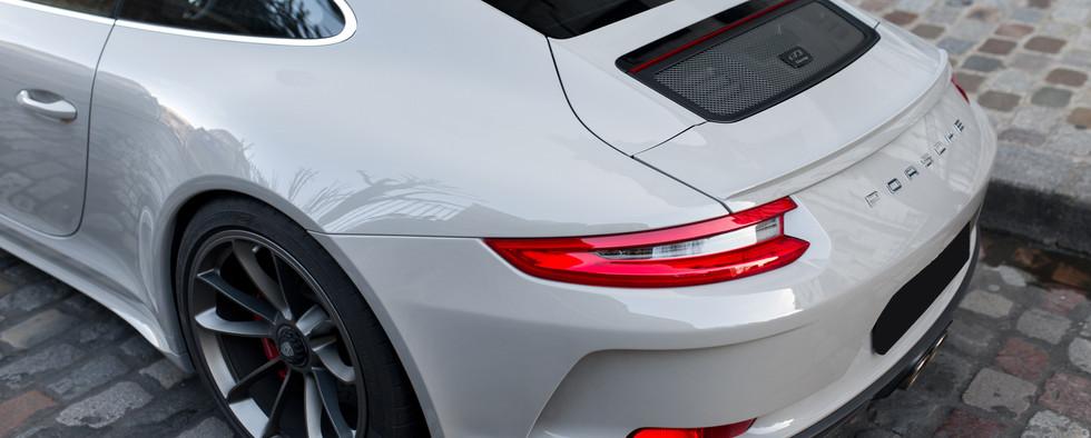 Porsche 911 GT3 Touring (38).jpg