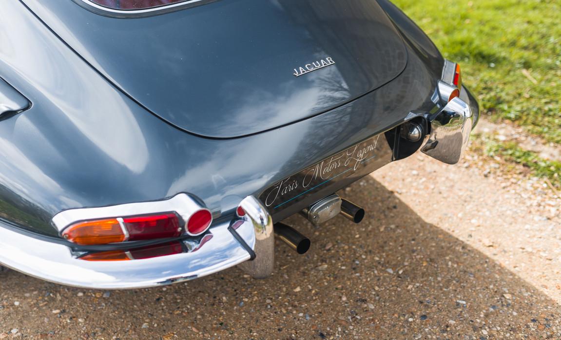 Jaguar Type E Serie I Coupe (22).jpg