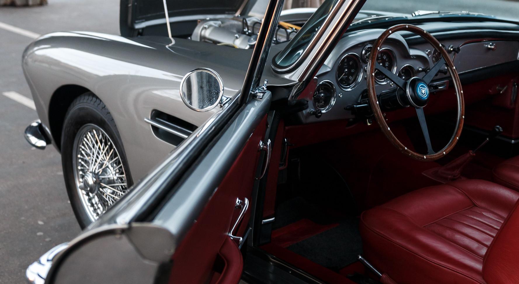 1961 Aston Martin DB4 Cabriolet 18.jpg