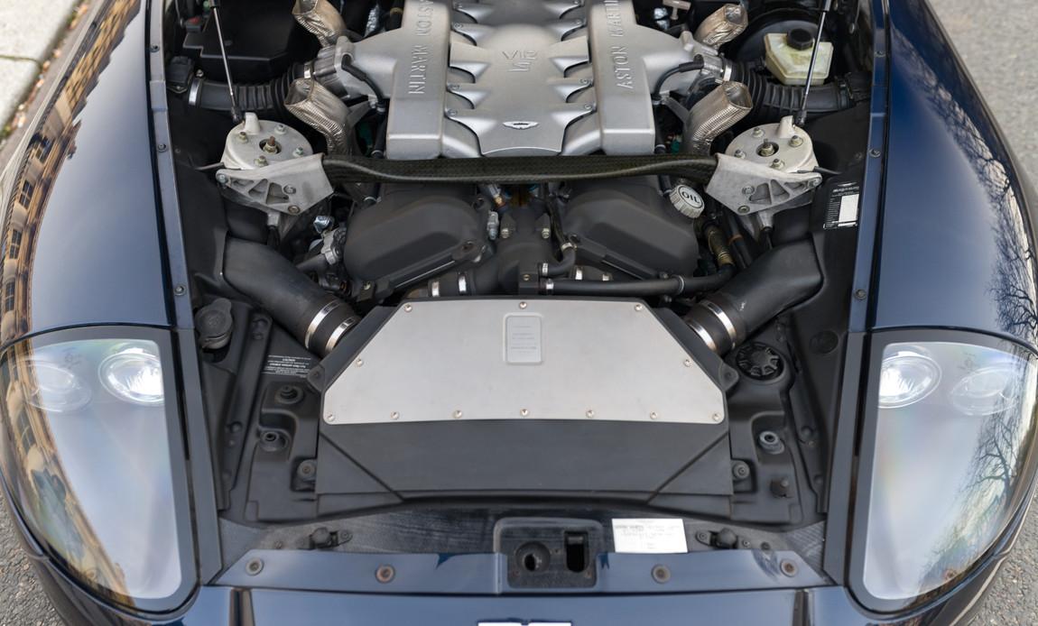 Aston Martin Vanquish S76.jpg