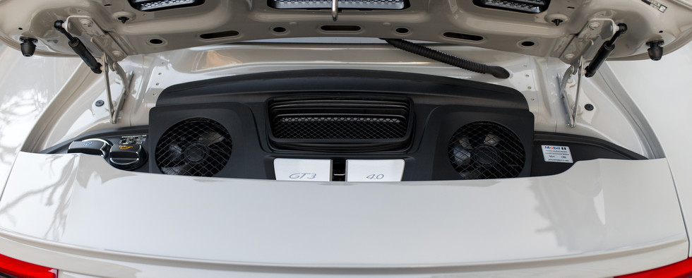 Porsche 911 GT3 Touring (43).jpg