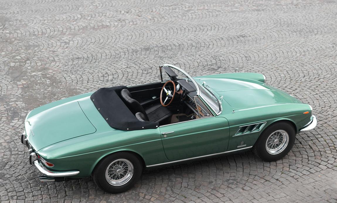 Ferrari_275_GTS_extérieur_(10).jpg