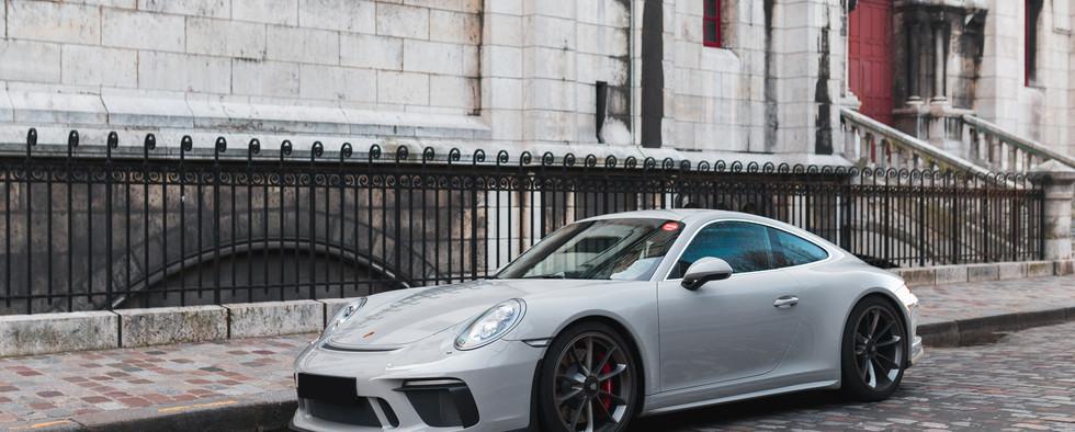 Porsche 911 GT3 Touring (1).jpg