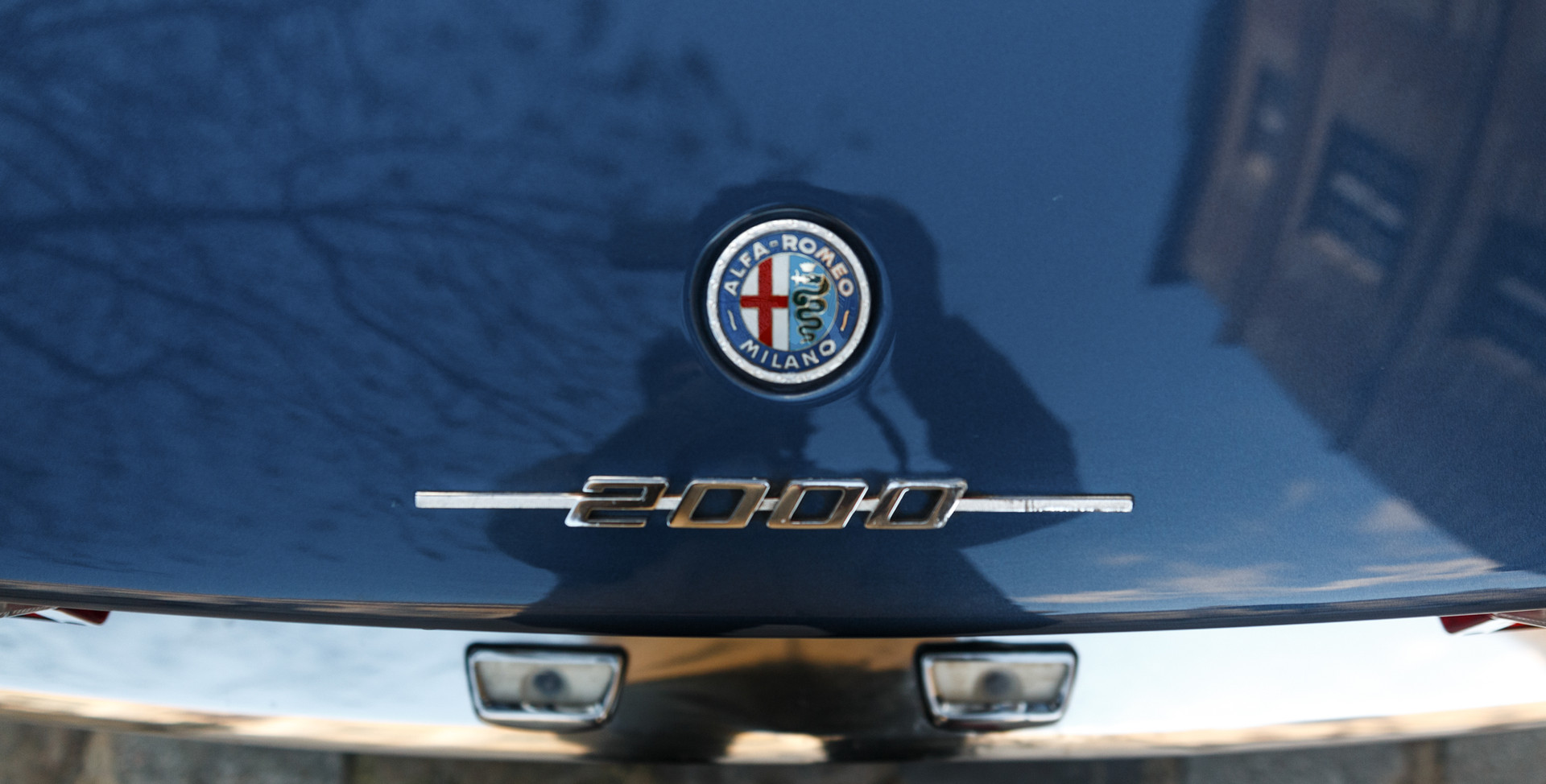 Alfa_Romeo_2000_détail_(13).jpg