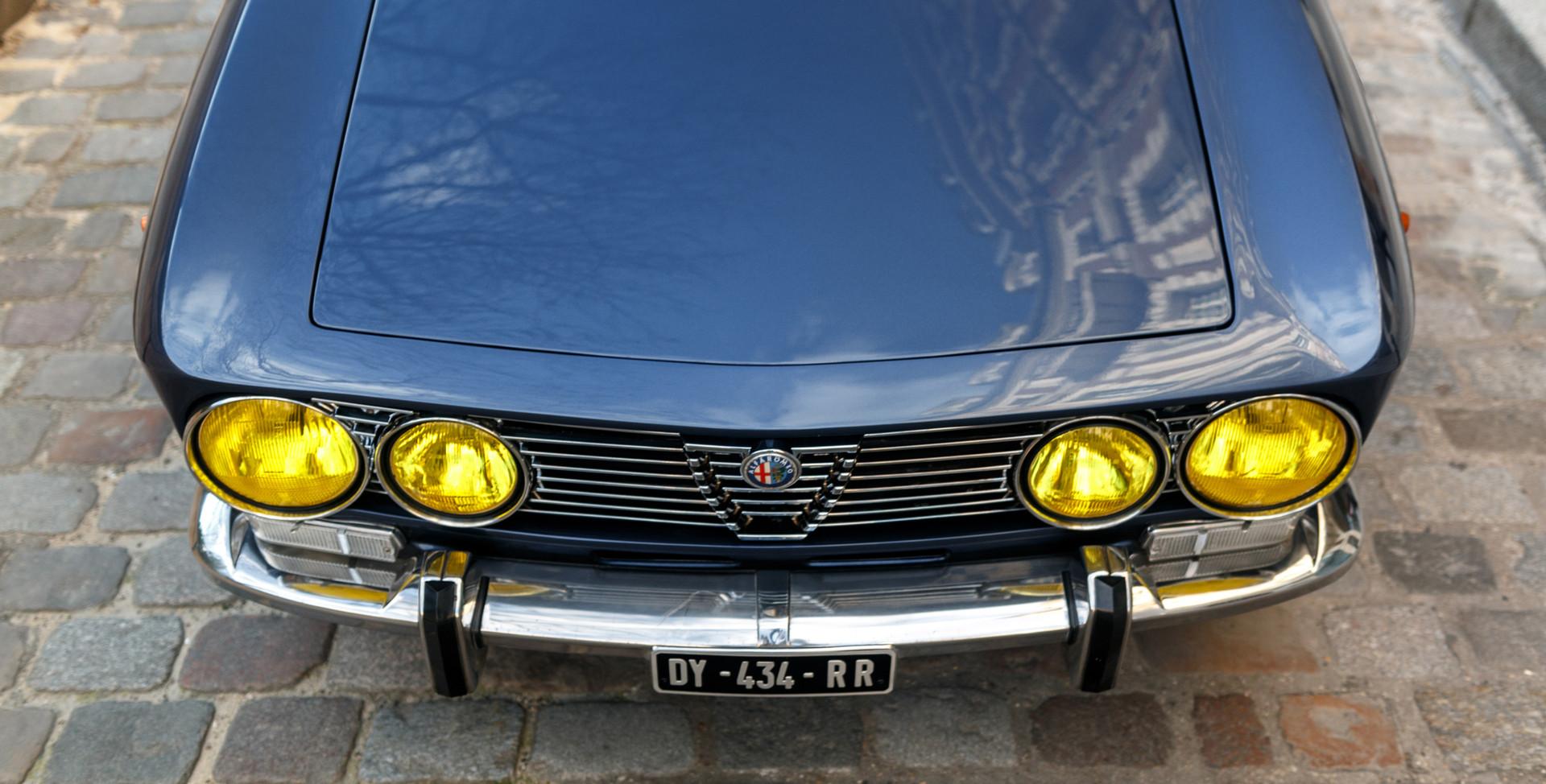 Alfa_Romeo_2000_détail_(15).jpg