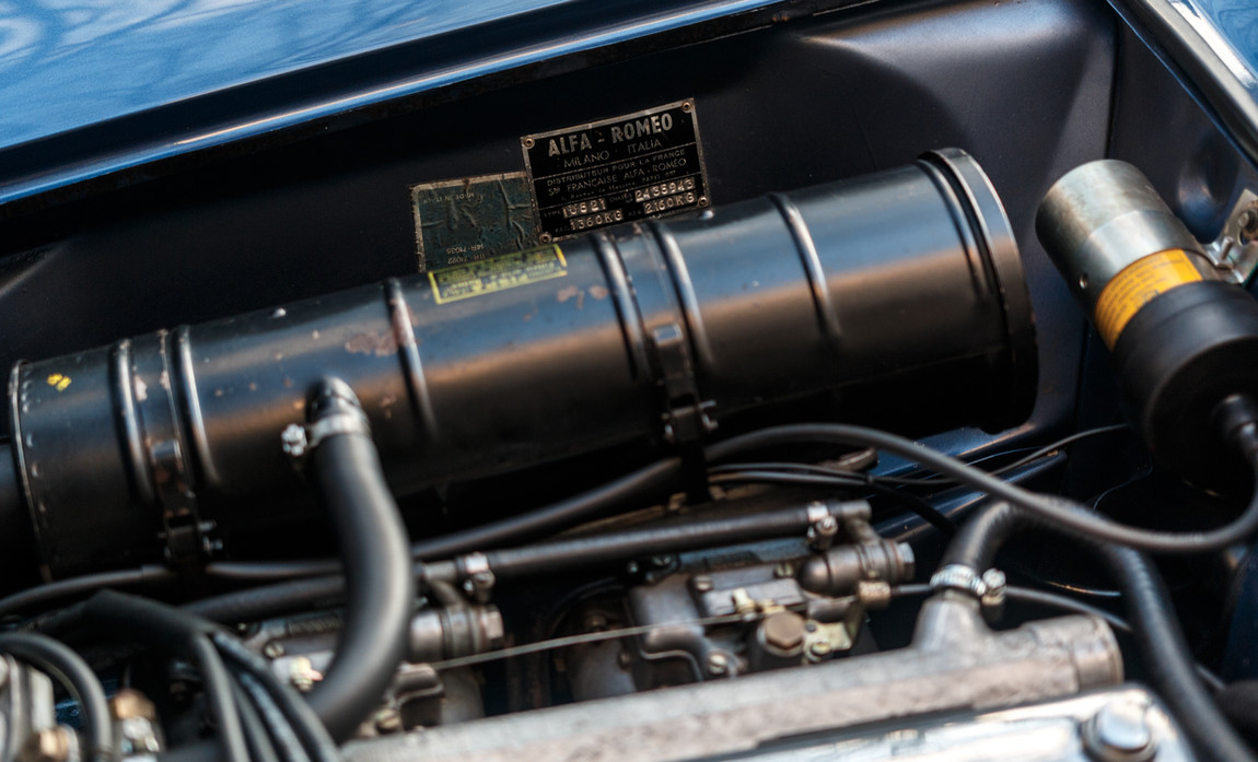 Alfa Romeo 2000 moteur (9).jpg