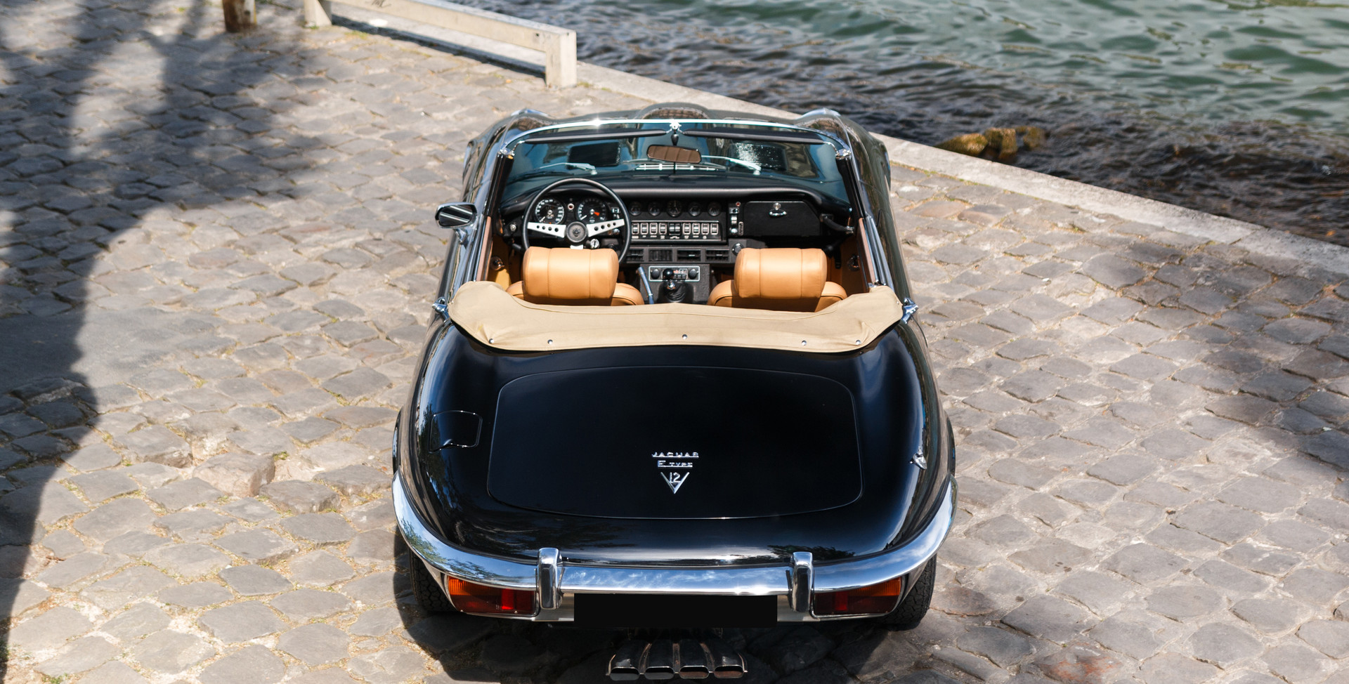 Jaguar_Type_E_arrière_(4).jpg