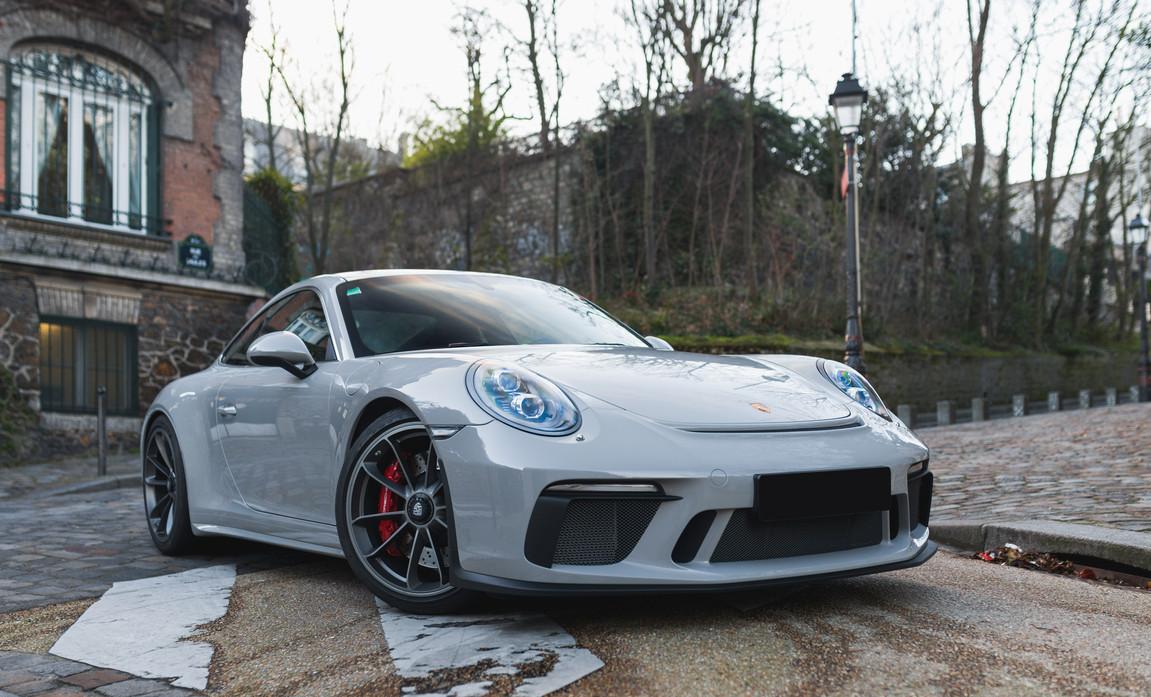 Porsche 911 GT3 Touring (9).jpg
