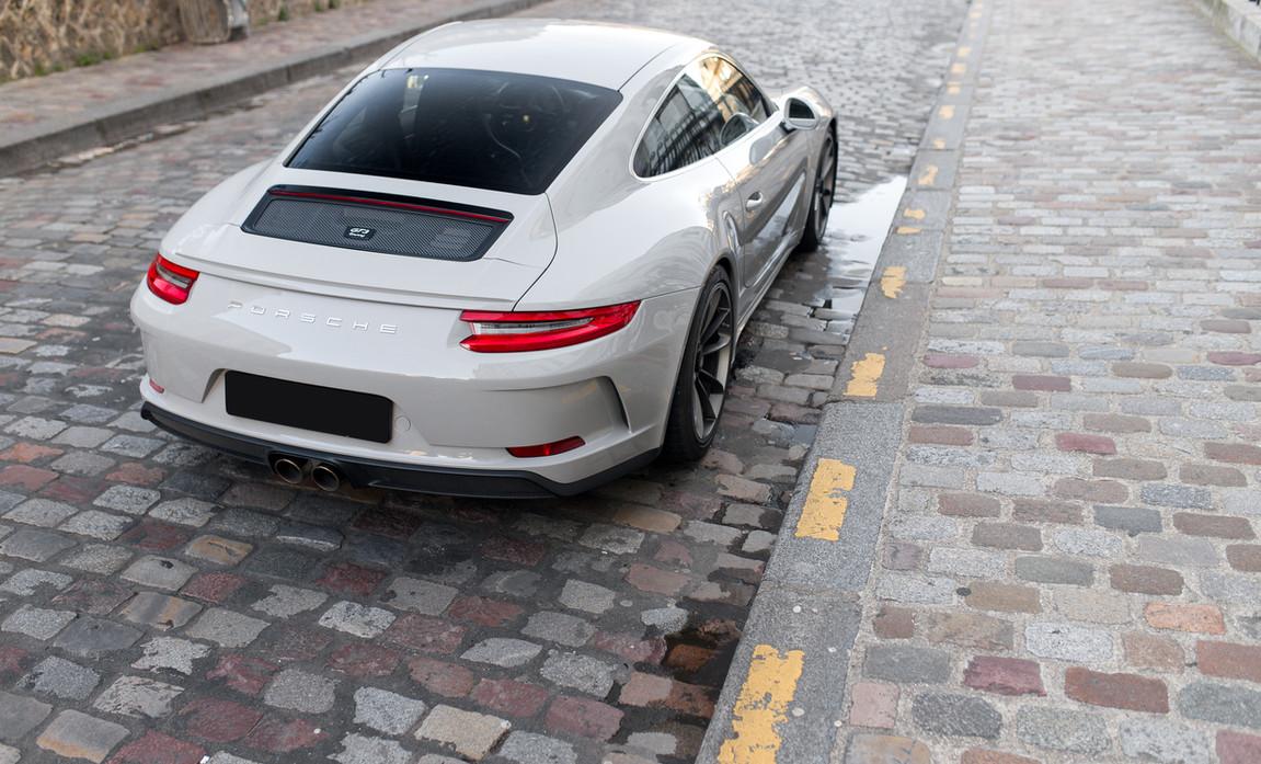 Porsche 911 GT3 Touring (21).jpg