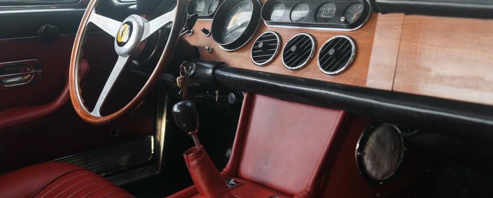 Ferrari 330 GT 196632.jpg