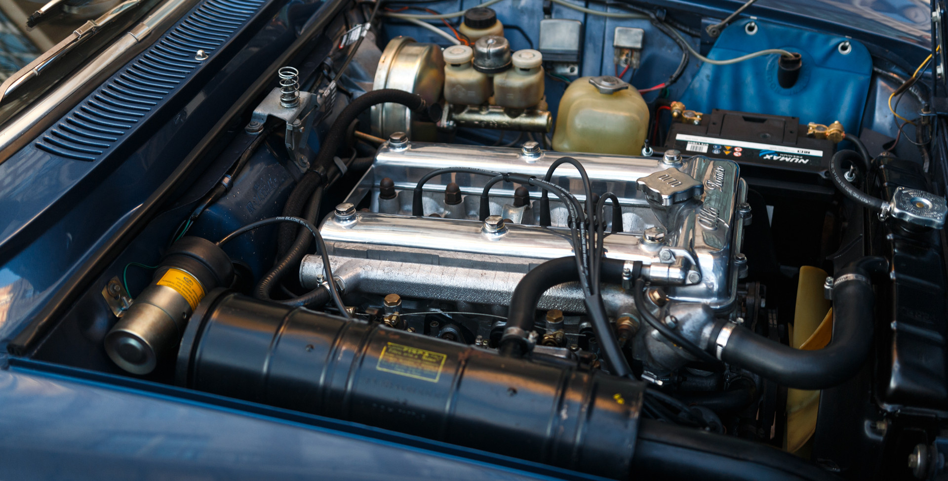 Alfa Romeo 2000 moteur (4).jpg