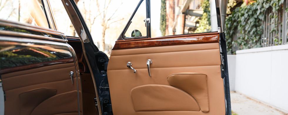 Jaguar MKII seuil de porte (3).jpg
