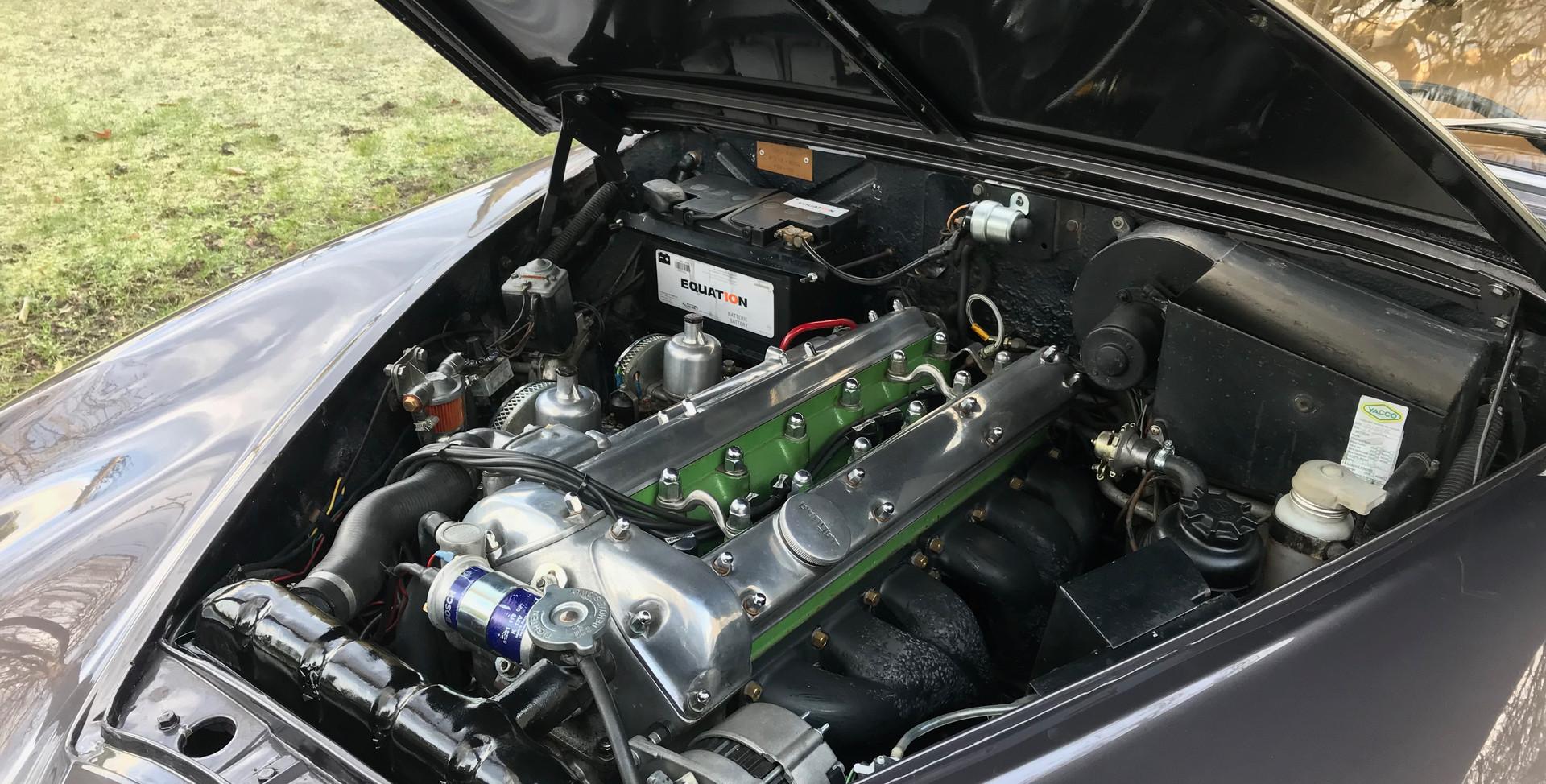 1965 Jaguar MK2 3.4L27.jpeg