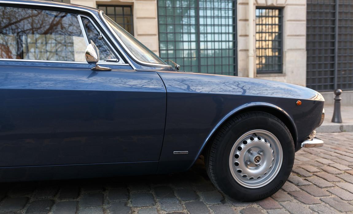 Alfa_Romeo_2000_détail_(18).jpg