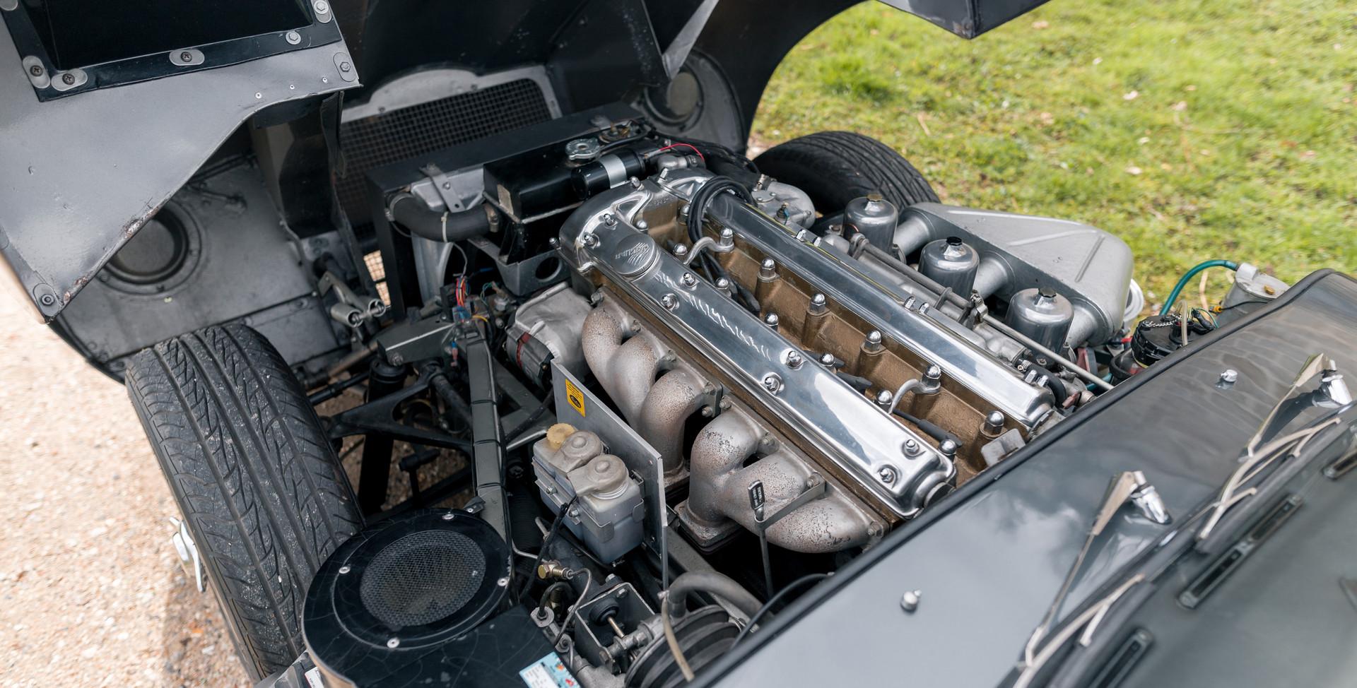 Jaguar Type E Serie I Coupe (48).jpg