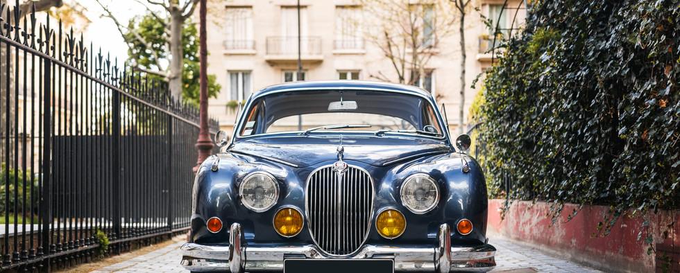 Jaguar_MKII_vue_extérieure_(2).jpg