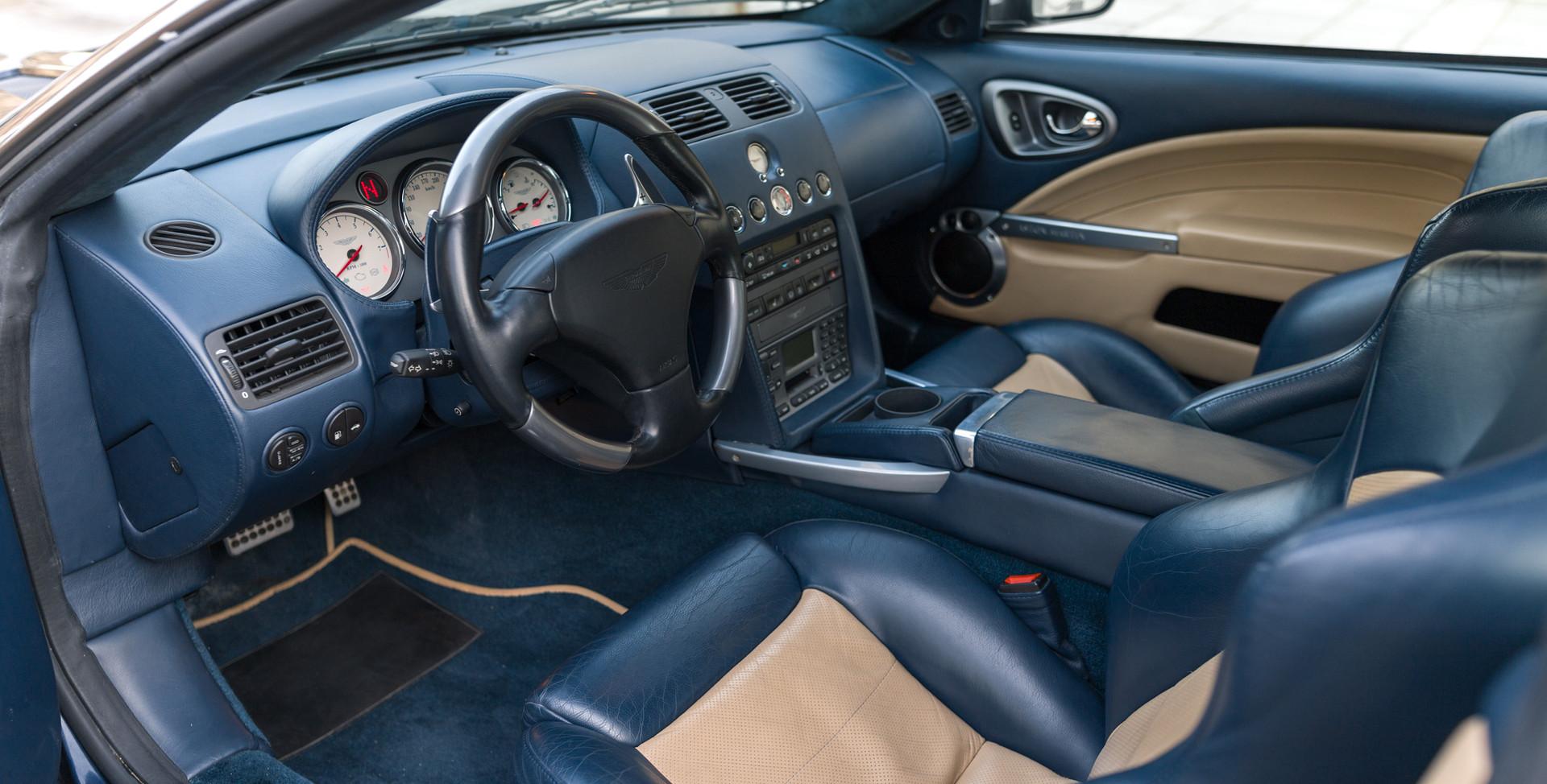 Aston Martin Vanquish S37.jpg