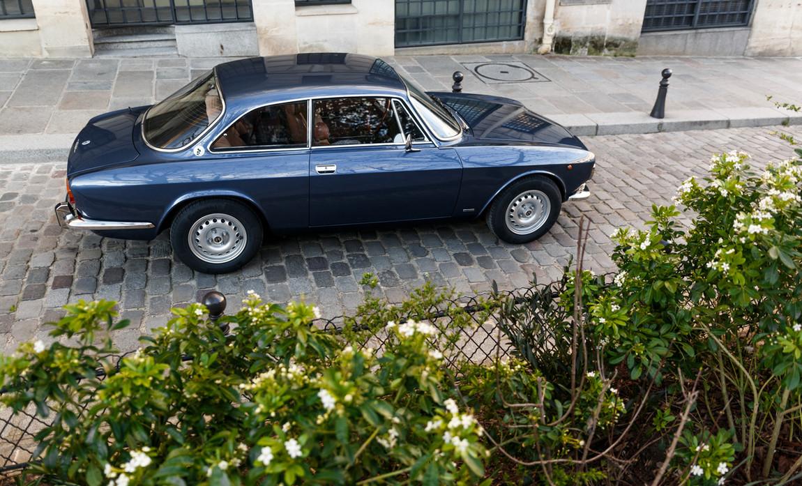 Alfa Romeo 2000 profil (2).jpg