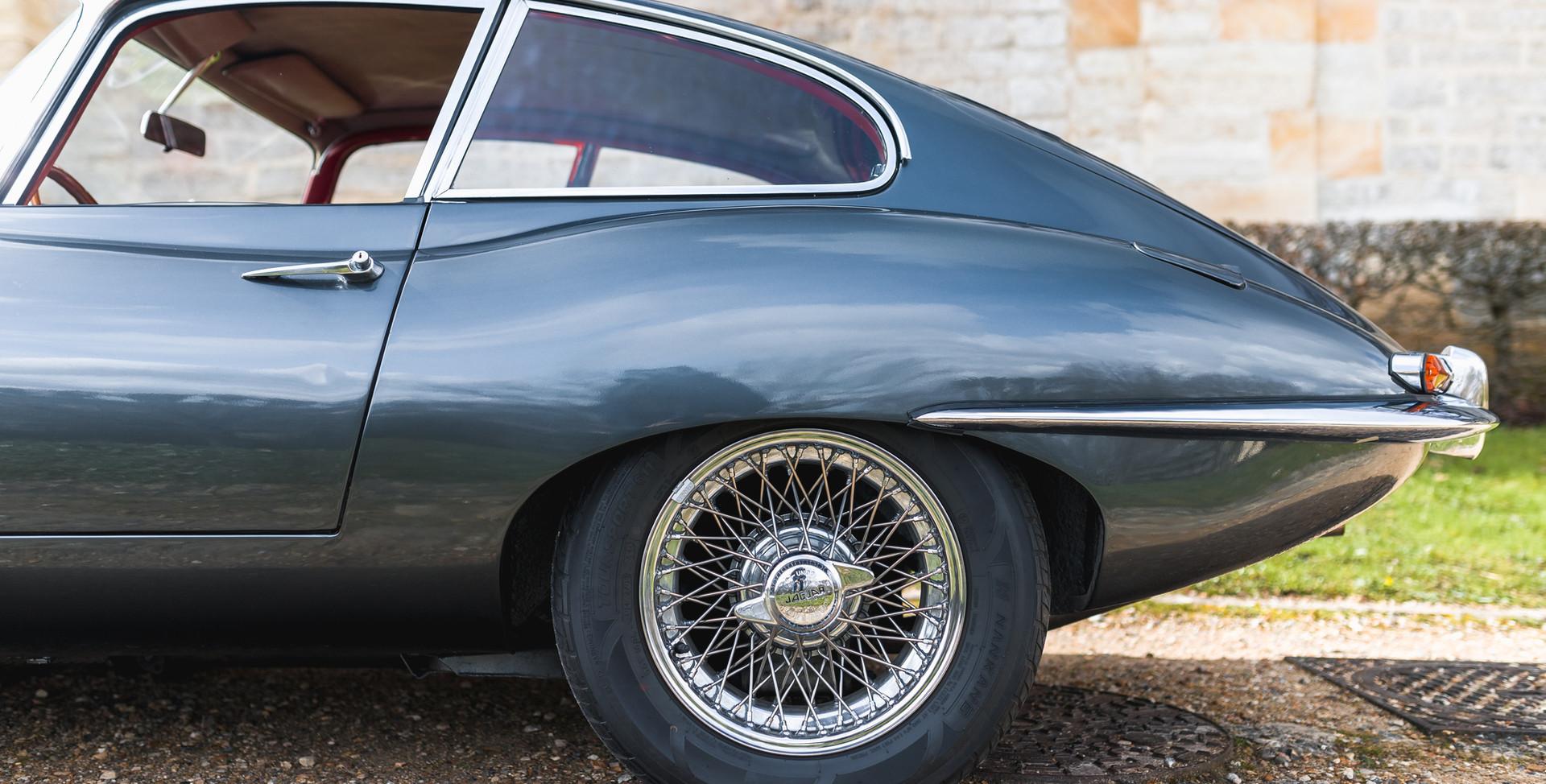 Jaguar Type E Serie I Coupe (10).jpg