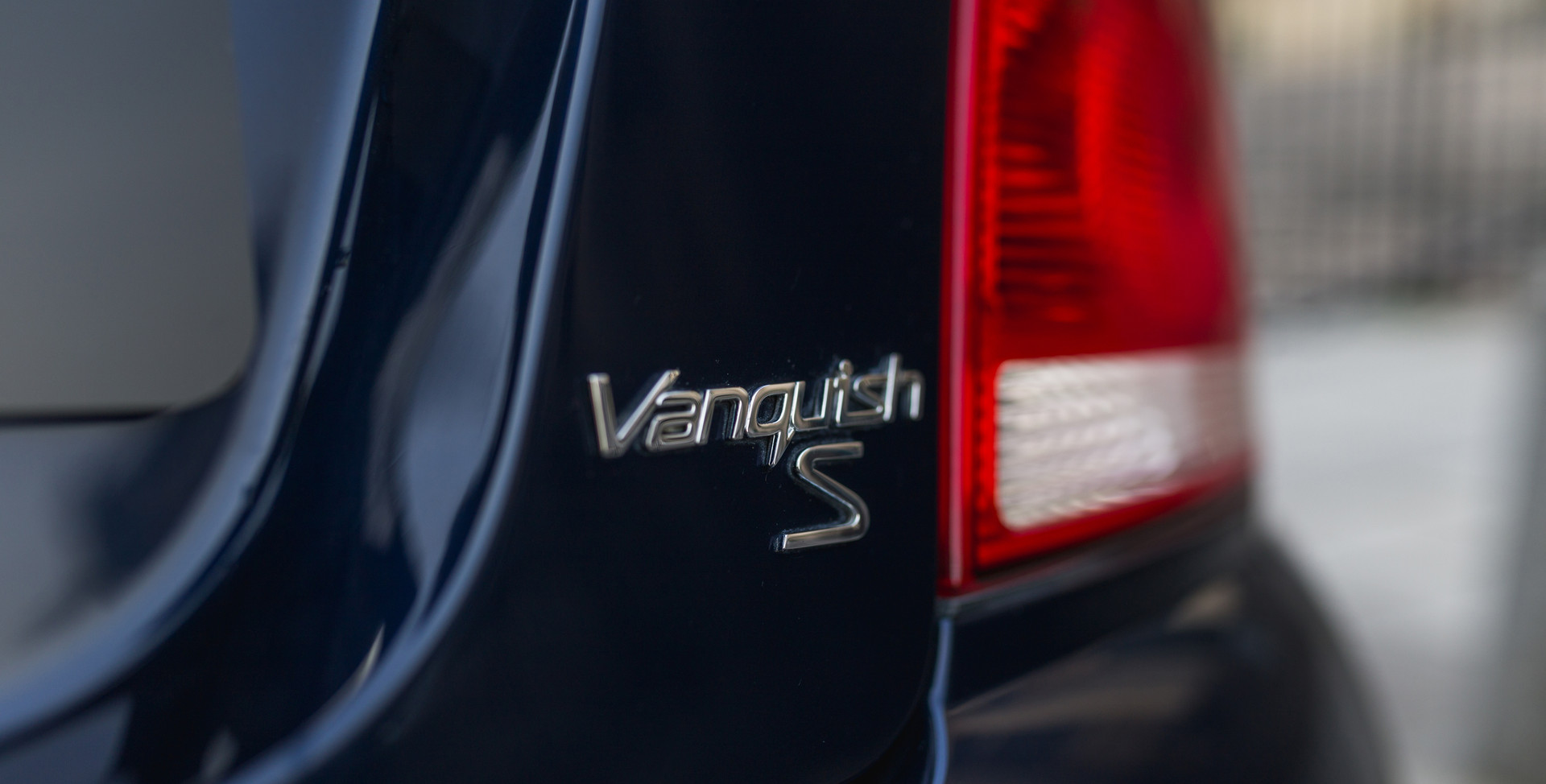 Aston Martin Vanquish S27.jpg