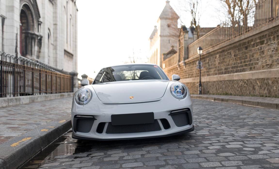 Porsche 911 GT3 Touring (14).jpg