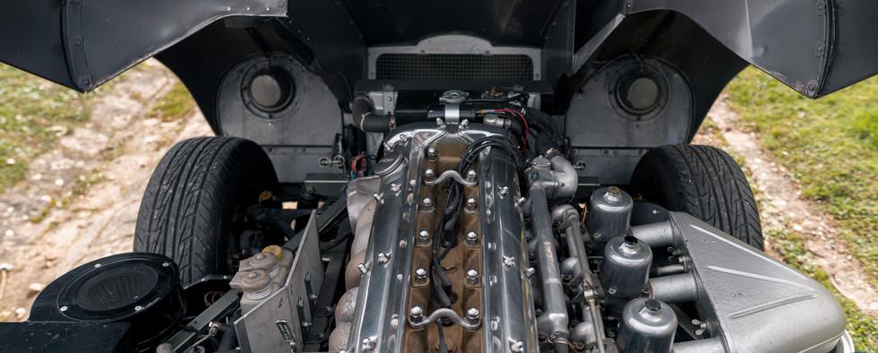 Jaguar Type E Serie I Coupe (52).jpg