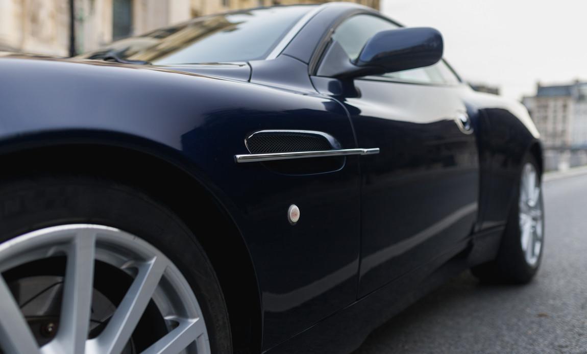 Aston Martin Vanquish S15.jpg