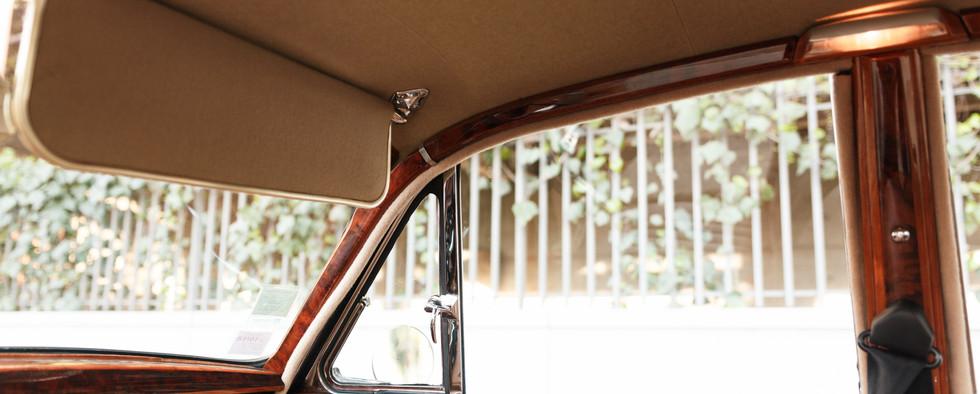 Jaguar MKII ciel de toit (3).jpg