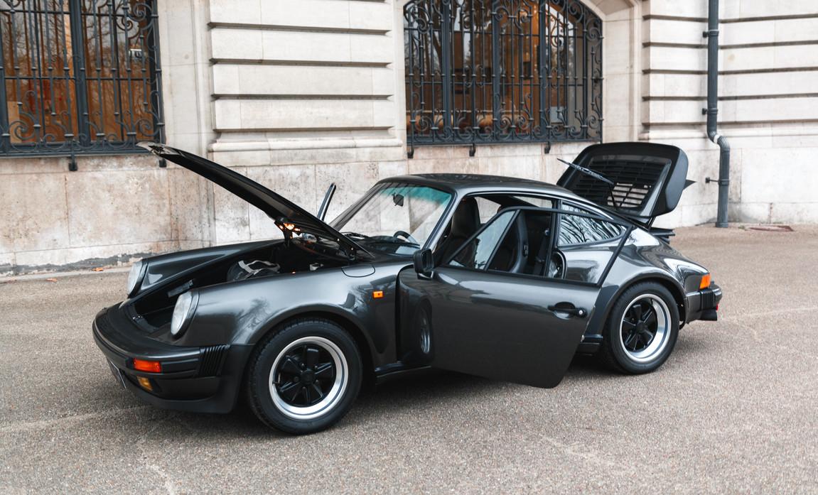 1986 Porsche 930 3.3 Turbo109.jpg