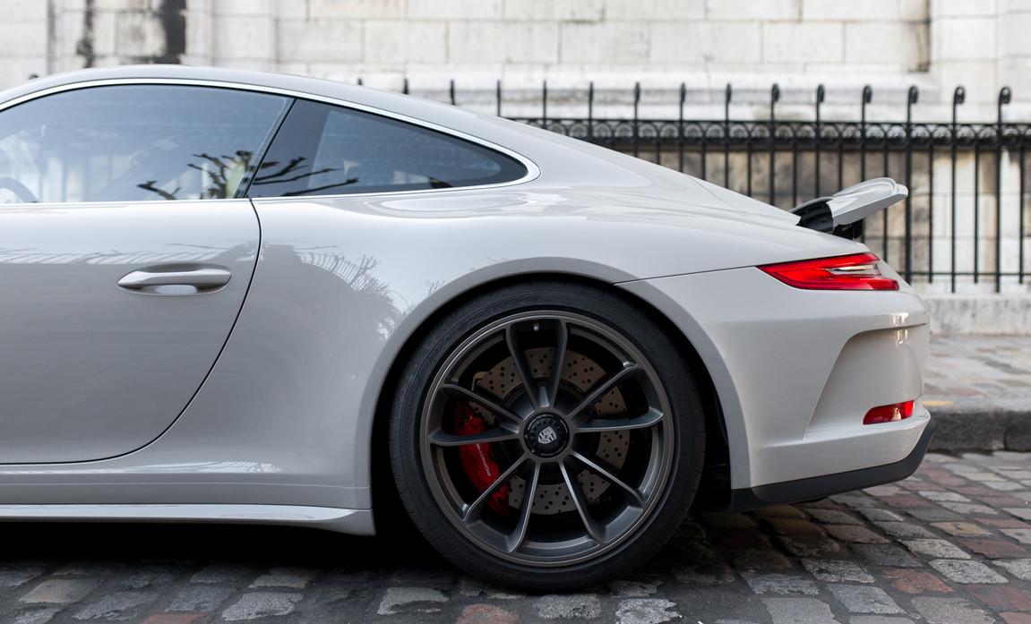 Porsche 911 GT3 Touring (33).jpg