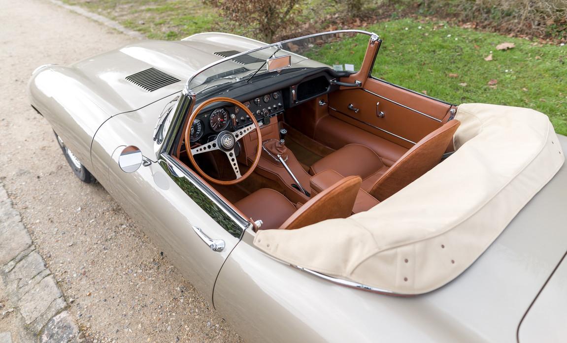Jaguar Type-E Serie I Cabriolet (65).jpg