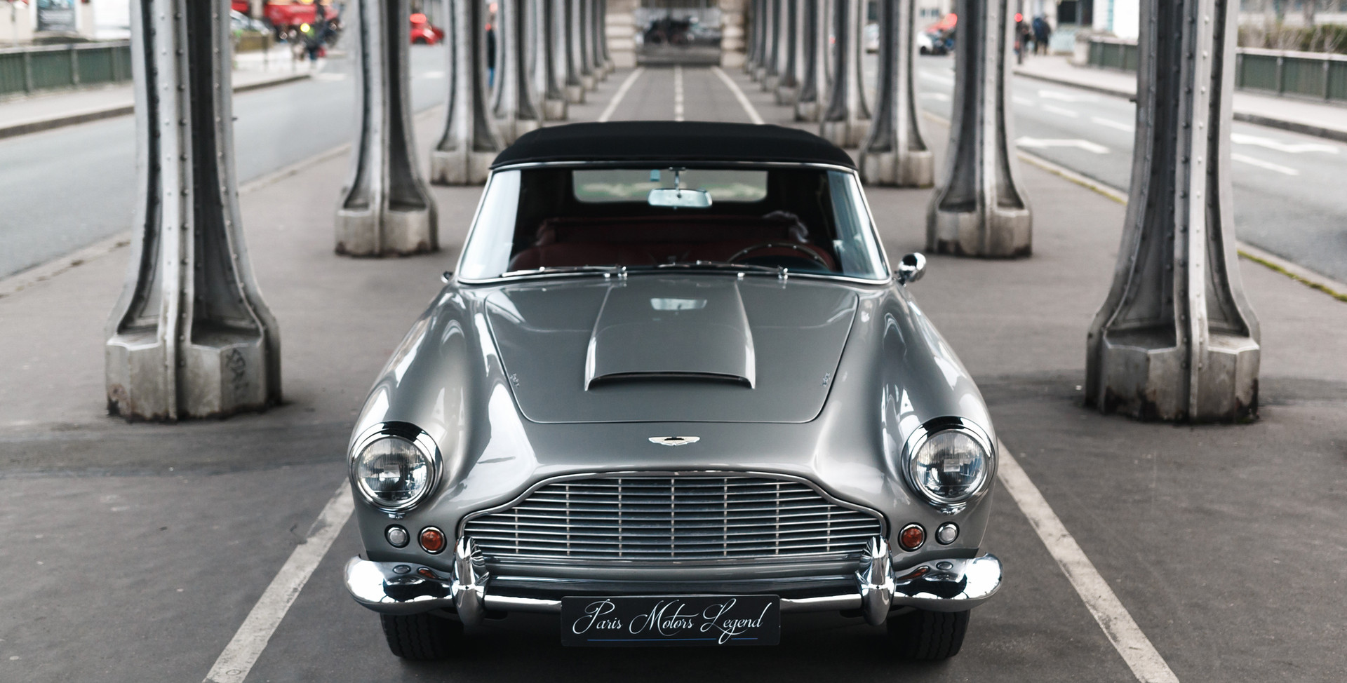 1961 Aston Martin DB4 Cabriolet 2.jpg