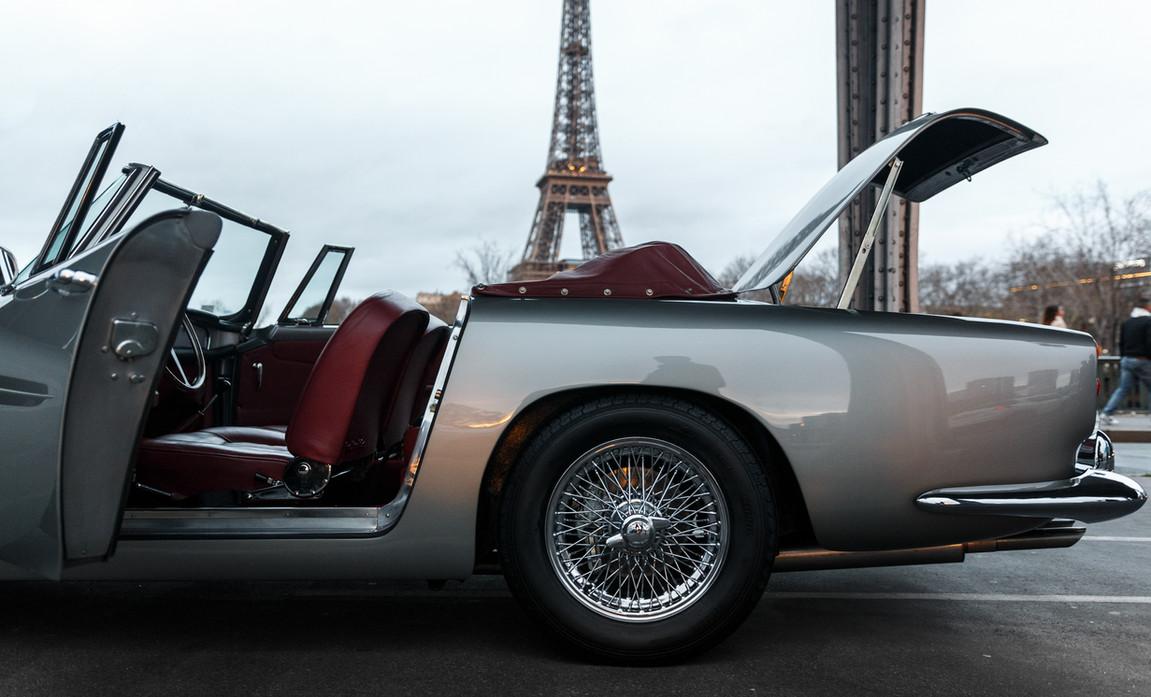 1961 Aston Martin DB4 Cabriolet 68.jpg