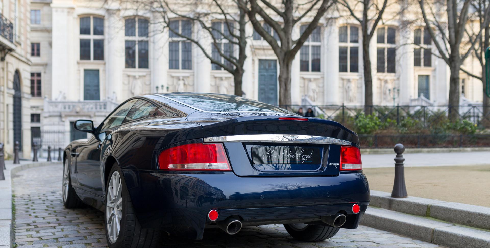 Aston Martin Vanquish S89.jpg