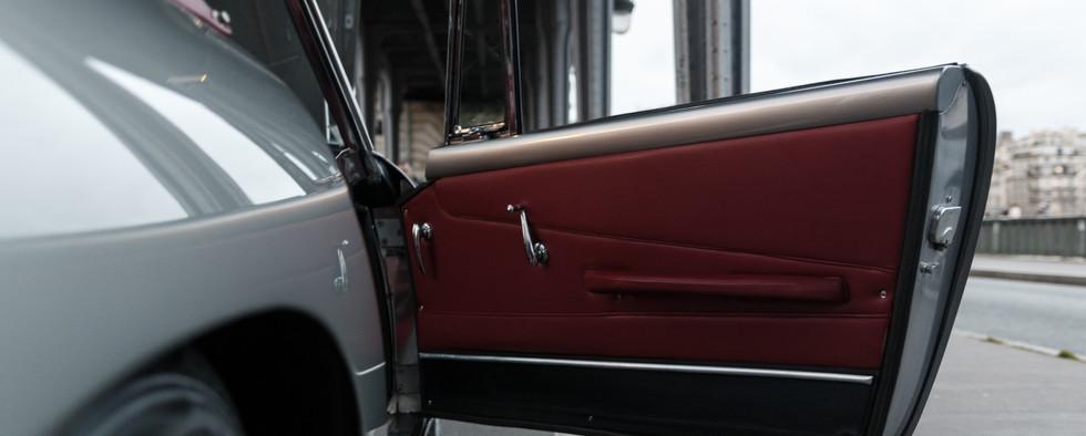 1961 Aston Martin DB4 Cabriolet 64.jpg
