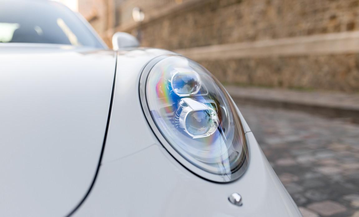 Porsche 911 GT3 Touring (27).jpg