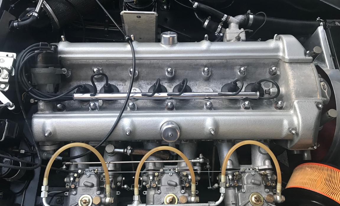 Aston Martin DB4 Cabriolet 1961  33.jpg